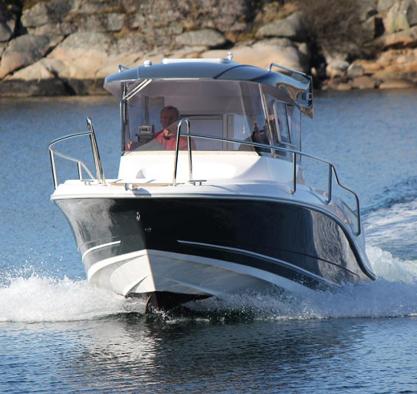 SeaMaster 670 med Hyundai SeasAll S250S med Mercruiser Bravo 3