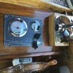 Instrumentpanel i Johnson 24 efter motorbytet