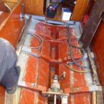 Skrovet på en äldre träsnipa som ska få en ny dieselmotor