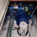 En Solé Diesel Mini-55 installeras i en Omega 42